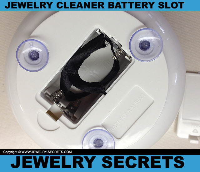 Two Elephants Gentle Jewelry Cleaner Battery Slot