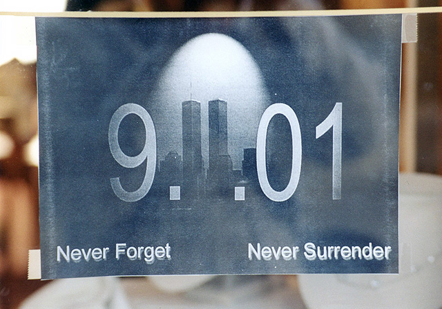 9-11 Remembrance Signs In The Venice Store Windows