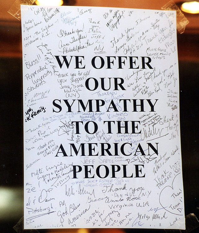9-11 Sympathy Signs In Italy