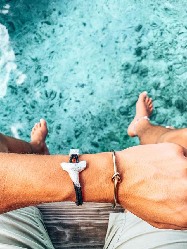 Tyler-Crispen-Shark-Tooth-Bracelet